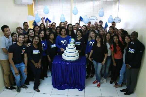 em-celebracao-simbolica-ao-aniversario-de-10-anos-frb-reune-alunos-e-equipe-foto-carlos-gonzaga-29-03-17