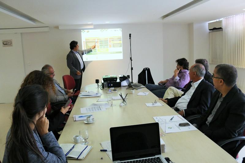 em-reuniao-com-a-fnp-e-o-sebrae-paulo-cesar-prb-busca-parcerias-para-a-frb-foto-carlos-gonzaga-09-03-15-02