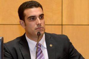 Erick Musso quer sinalizar rodovia que dá acesso ao balneário Costa Azul em Fundão