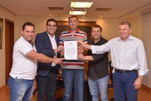 Erick Musso viabiliza recursos para o esporte e a agricultura de Linhares