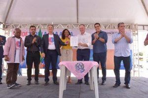 Erick Musso e governador do ES assinam convênio para obras em Jacupemba
