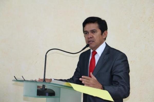 Deputado Ericlaudio Alencar cobra fomento ao turismo no Amapá