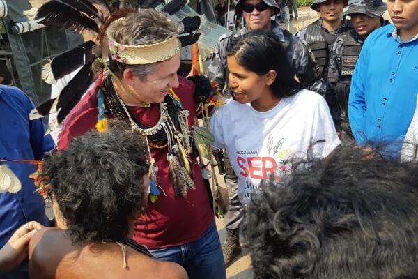 Erika Negarottê acompanha visita do governador de MT a aldeia em Comodoro