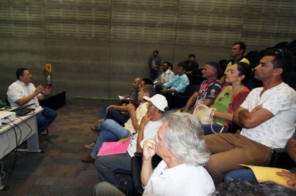 Secretário Euler Barbosa se reúne com entidades do motociclismo