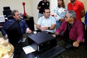 Ezequiel participa da entrega de equipamentos para a educação em Rondônia