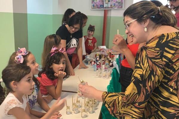 Fábia Porto participa de feira que incentiva empreendedorismo com crianças