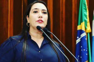 Vereadora Fabrizia Tinoco defende regularização do salário dos servidores de Bela Vista