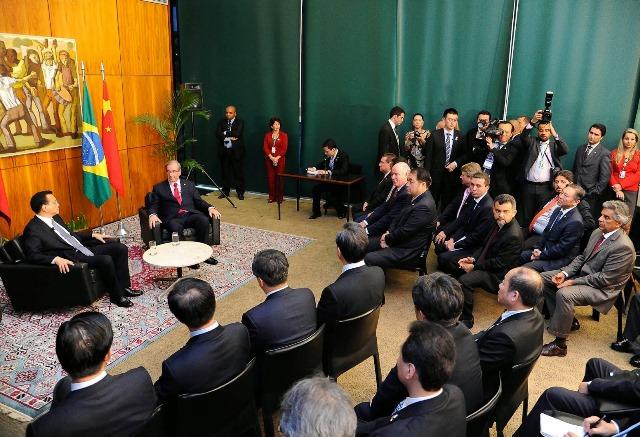 fausto-pinato-prb-cleber-verde-prb-recebe-primeiro-ministro-da-china-no-camara-foto-douglas-gomes-20-05-15-03