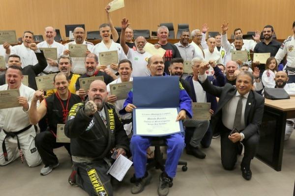 Mestres de artes marciais recebem homenagens em Campinas (SP)