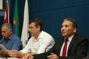 Fernando Mendes promove audiência para debater direitos no serviço de telefonia