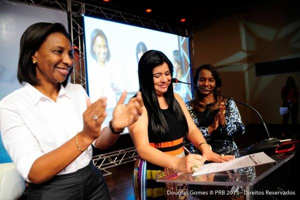 filiacao-mara-maravilha-congresso-nacional-prb-mulher-10.8.2013