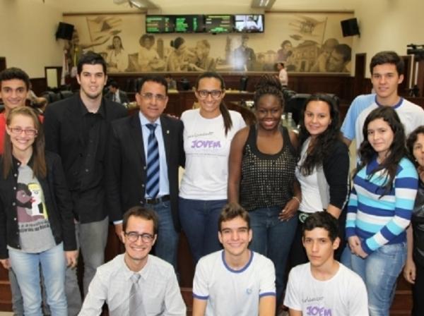 Franco Cartafina comemora lançamento da etapa 2015 do Parlamento Jovem em Uberaba (MG)