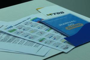 FRB recebe alunos contemplados para turmas de inglês de 2018