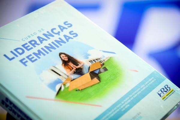 frb-lancamento-curso-liderancas-femininas-foto6-douglas-gomes-4-5-2016