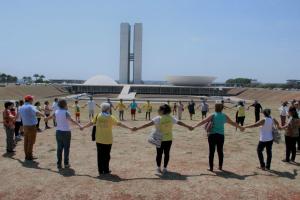 Parceria entre FRB e PRB Idoso promove passeio turístico por Brasília