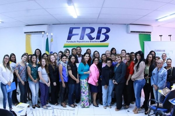 frb-prb-primeira-turma-curso-liderancas-femininas-foto2-carlos-gonzaga-16-5-2016