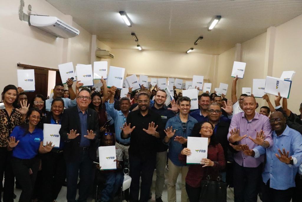 """FRB leva projeto """"Política pra quê?"""" para a Bahia"""