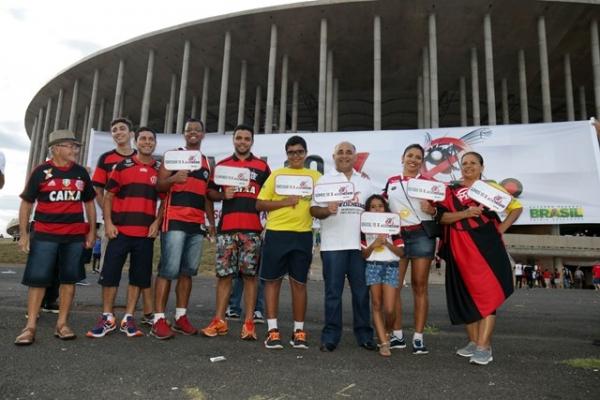 Campanha contra o mosquito Aedes aegypti toma conta dos estádios pelo país