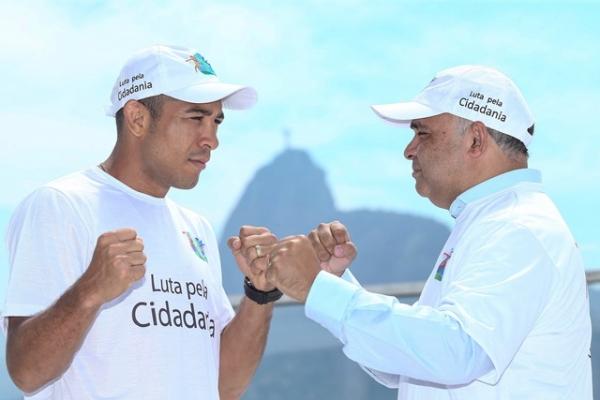 Ministro George Hilton concede ao lutador de MMA, José Aldo, o título de padrinho do programa Luta pela Cidadania