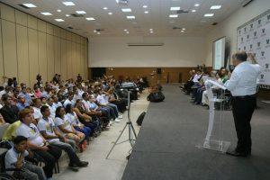 George Hilton destaca união do país em reuniões sobre tocha olímpica