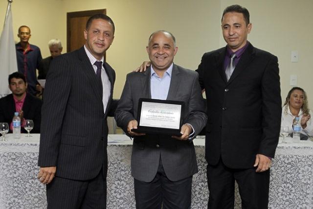 George Hilton recebe título de cidadão honorário de Grão Mogol