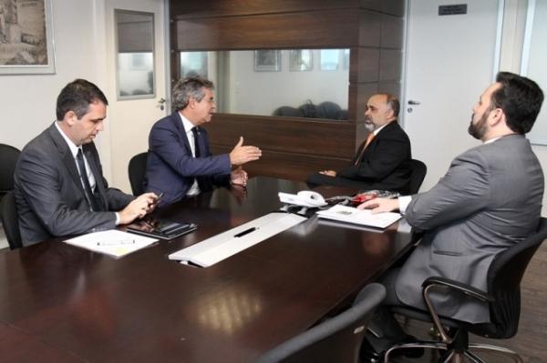 Em encontro com representantes do Acre, George Hilton reforça a importância de investir em todo o Brasil