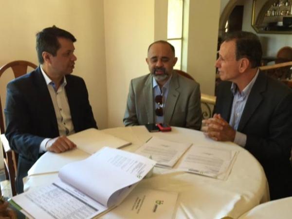 George Hilton se reúne com secretário de esportes de MG e prefeito de Uberaba para tratar de parcerias