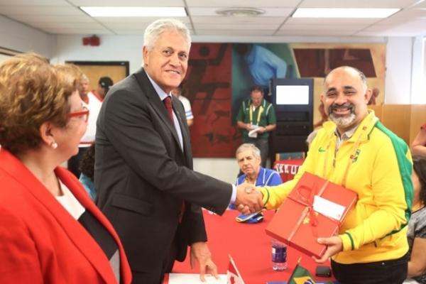 Ministro George Hilton visita CT do Time Brasil em Toronto e faz balanço da viagem