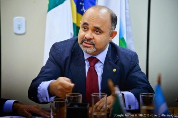 george-hilton-vai-defender-criação-de-tribunal-penal-em-sessão-do-parlasul-no-uruguai-03-07-14