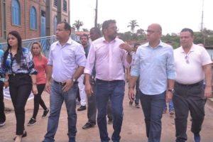Gesssivaldo Isaías visita moradores da zona Sul de Teresina atingidos por fortes chuvas