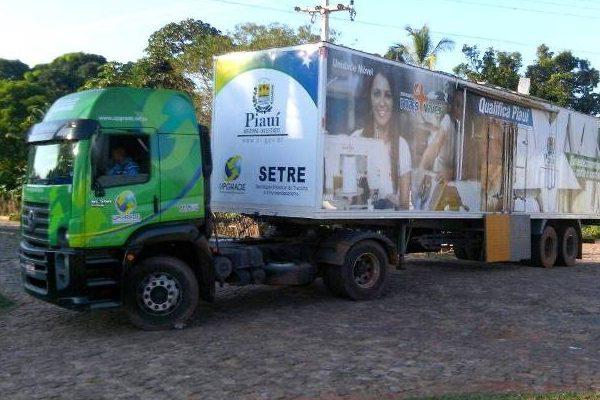 Gessivaldo Isaias anuncia que Setre vai qualificar 96 alunos em Floriano (PI)