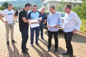 Republicanos recebem reivindicação de moradores em bairro de Parobé
