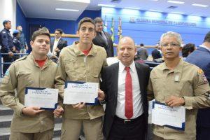Gilmar da Cruz presta homenagem a Bombeiros Militares de Campo Grande (MS)