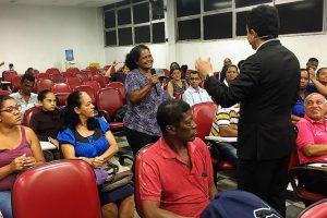 Gilmar Souza Santos consolida ações de habitação na região da Penha