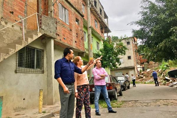 Secretário Gilmar Souza Santos visita áreas de risco em Diadema (SP)