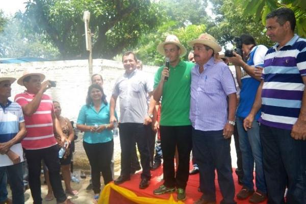 Glalbert Cutrim prestigia festa do trabalhador em Anajatuba