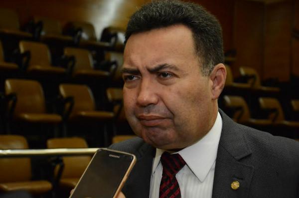 Na Alese, Heleno Silva diz estar mendigando água ao Governo Federal para Canindé (SE)