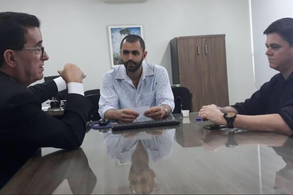 Hélio Costa inicia roteiro de visitas a hospitais de Santa Catarina
