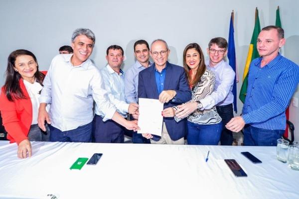 Hudson Leal viabiliza recursos para obras no município de Vila Valério (ES)