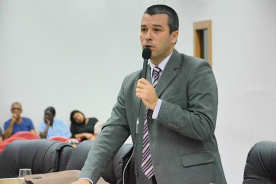 Três projetos do vereador Igor Sardinha são aprovados em Macaé (RJ)
