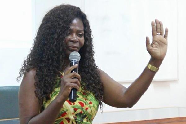 """""""O racismo condena milhões de mulheres e homens à exclusão social"""", diz Ireuda Silva"""