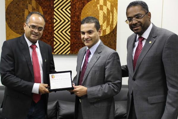 Vereador se reuniu com o ministro da Indústria, Comércio Exterior e Serviços, Marcos Pereira e o deputado federal Márcio Marinho (PRB-BA)