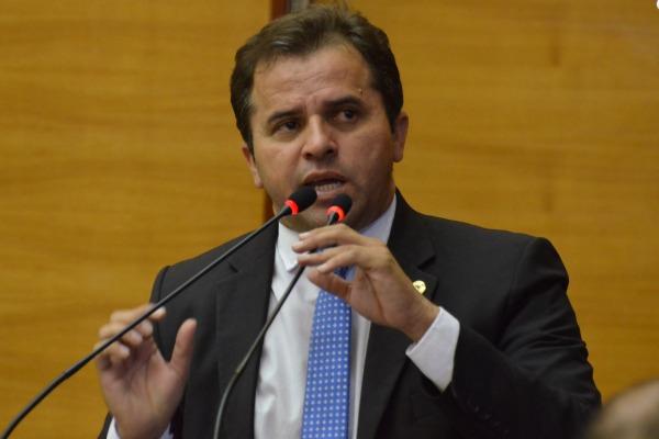 Jairo Santana defende regulamentação das fábricas de queijo de Sergipe