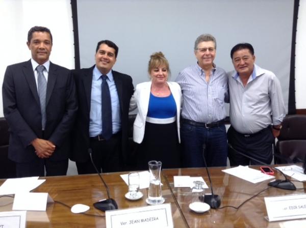 Comissão indica Jean Madeira para ser um dos sete membros do Prêmio Paulo Freire