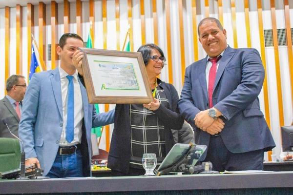 Jeferson Rodrigues lança campanha contra suicídio e automutilação