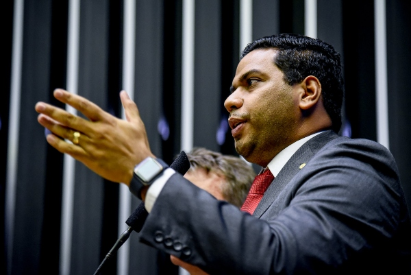 Jhonatan de Jesus anuncia apoio total do PRB à Reforma da Previdência