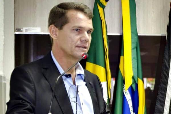 João Andrade quer implantação de centro para tratamento do câncer em Caucaia (CE)