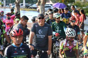 Corrida ciclista 24 horas Bike Race reúne mais de 200 atletas em Manaus