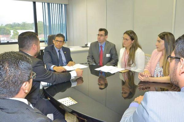 Comissão na Assembleia presidida por João Luiz inicia atendimento ao público