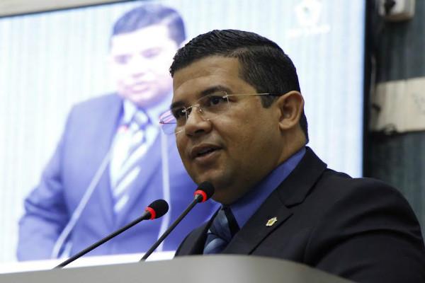 João Luiz garante empenho de levar melhorias por meio do esporte em Manaus (AM)